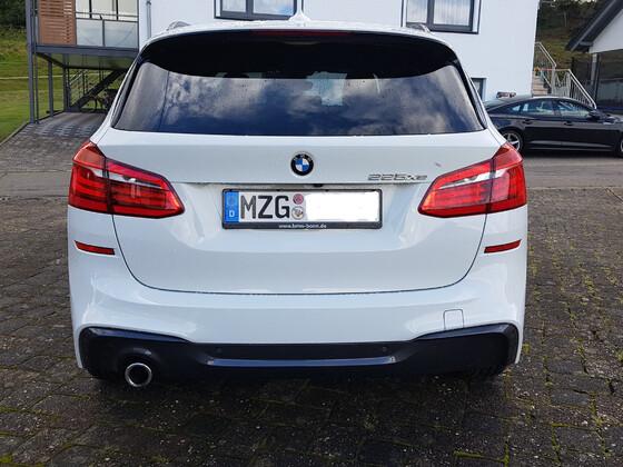 225 XE M Sport