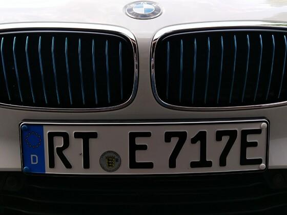Blaue BMW-Niere